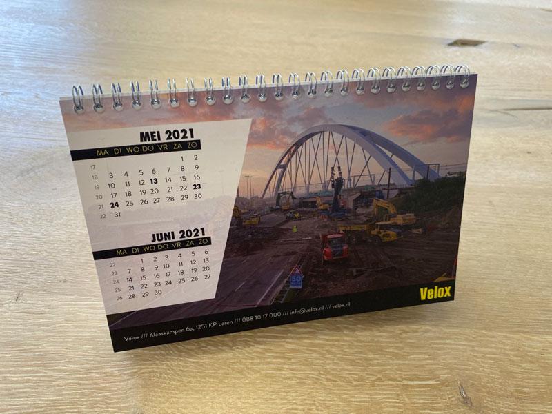Maatwerk bureaukalender voor Velox